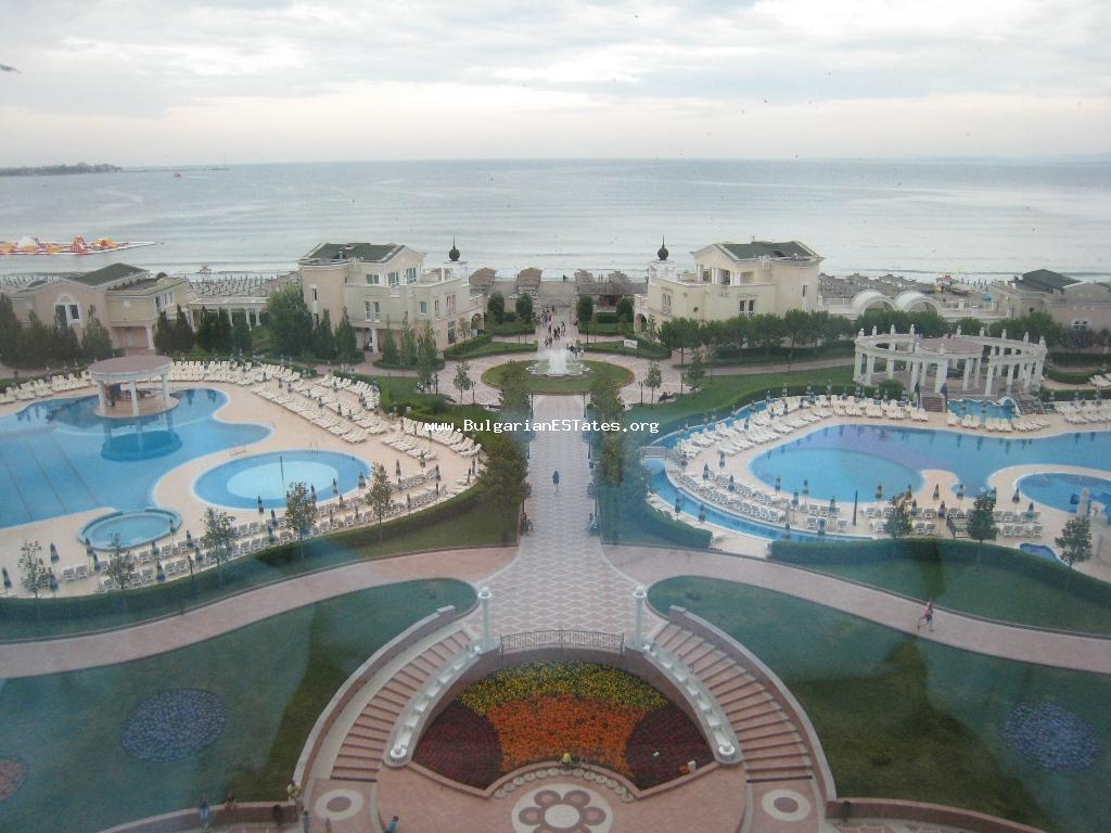 For sale is an excellent studio on the first line in the five-star hotel «Sunset Resort», Pomorie.