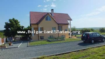 A large luxury house is for sale in the village of Diulevo, just 5 minutes drive from the city of Burgas and the sea.