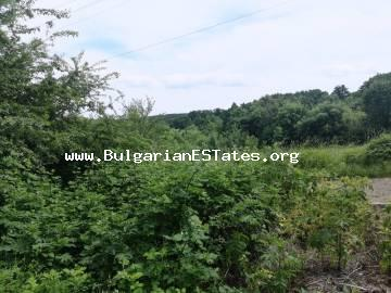 An old house with a large yard and magnificent views in the village of Pismenovo, 7 km from the sea and the resort town of Primorsko.