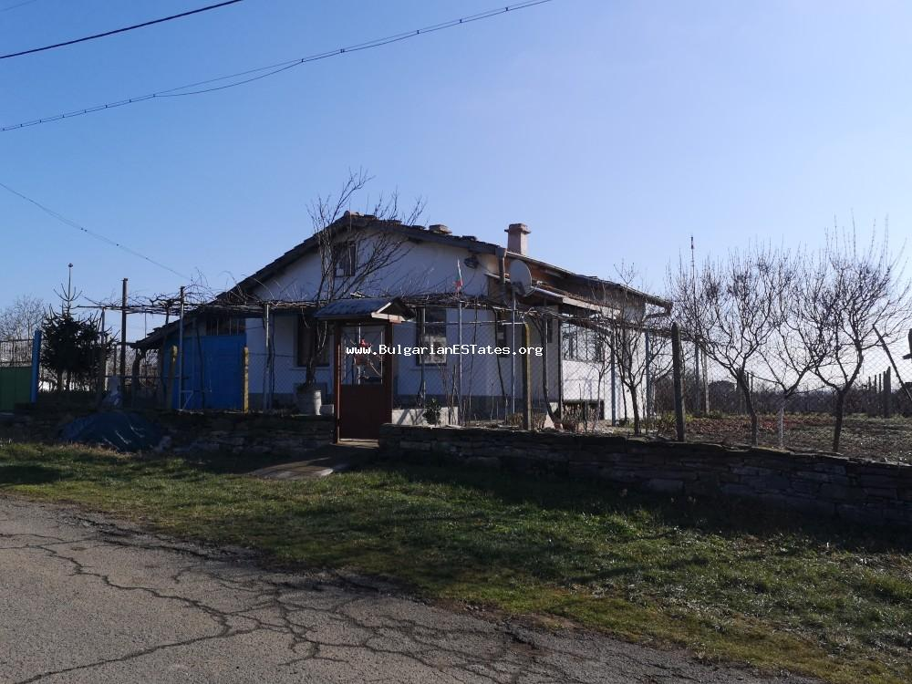 TOP OFFER. Massive one-storey house for sale in the village of Kubadin, only 50 km away from the town of Bourgas and the sea.