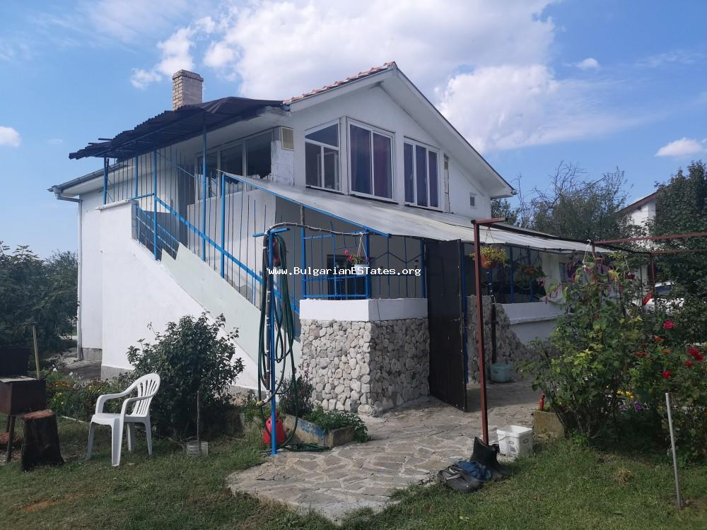Renovated house for sale in the village of Livada, just 20 km from the regional city of Burgas and the sea.