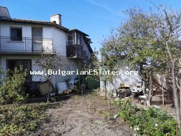 Two-storey house is for sale in the village of Trastikovo, 15 km from the city of Burgas.
