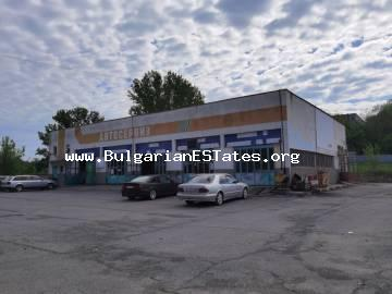 A commercial property is for sale in the town of Elhovo, just 100 km from the city of Burgas and the sea, 35 km from the city of Yambol and 25 km from the Turkish border.