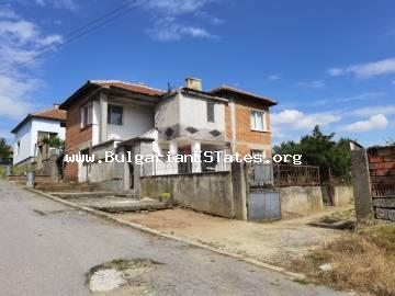 Affordable house is for sale in the village of Knyazhevo, in the Sakar Mountains, 10 km from the town of Elhovo, 20 km from the border with Turkey and 110 km from the city of Burgas and the sea.