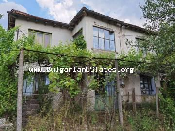 We offer for sale a two-storey massive house in the village of Golyamo Krushevo, only 60 km from the city of Burgas and the sea.