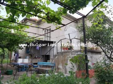 House with beautifully landscaped yard for sale in the village of Asparuhovo, only 27 km from the city of Burgas and the sea.