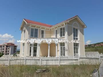 We offer for sale a two-storey new house in the villa zone of Kosharitsa - the area between Sunny Beach and the village Kosharitsa, just 3 km from Sunny Beach resort.