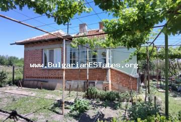 Affordable house with large yard for sale in the village of Robovo, only 30 km from Yambol and 80 km from the city of Burgas and the sea.