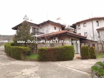 Two-storey house for sale in the villa area of Kosharitsa village, at the foot of the eastern slopes of the Stara Planina mountains, 3 km from the Sunny Beach resort and a luxurious beach strip.